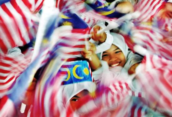 Sekolah Malaysia Tak Cukup BUdjet ?